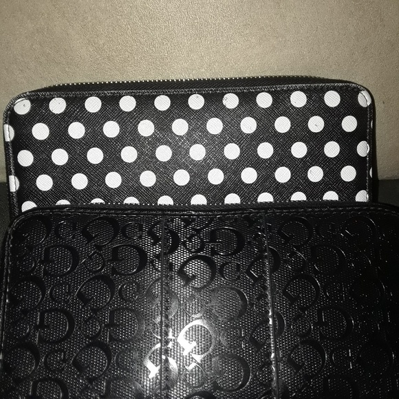Guess Handbags - 2 Womens Guess Wallets